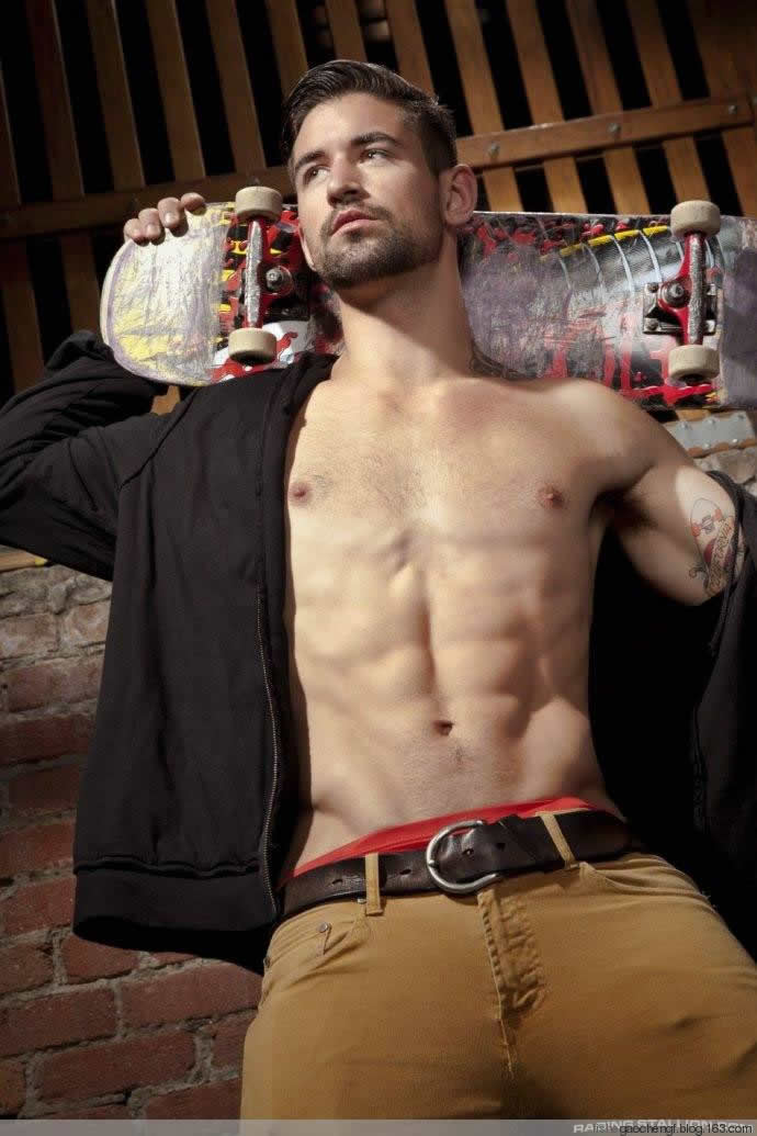 超级教练_美国著名肌肉男模本杰明戈弗雷 美国 健身迷网