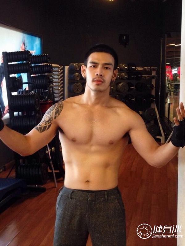 亚洲肌肉美男 东方肌肉美男大胸性感肌肉男自拍照 东方帅哥 自拍 肌肉男 肌肉帅哥 健身迷网