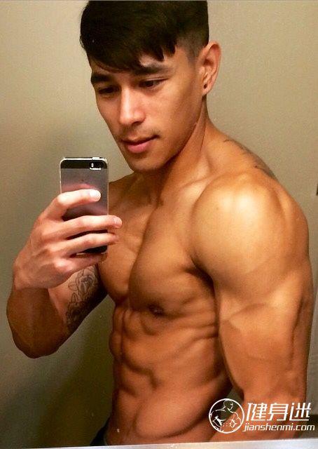亚洲肌肉美男 东方肌肉美男大胸性感肌肉男自拍照 东方帅哥 自拍 中国 健身迷网